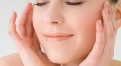 Pelle del viso più distesa