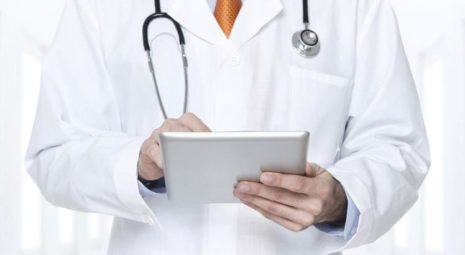 doctor-and-electronic-health-record*750xx748-421-1-0